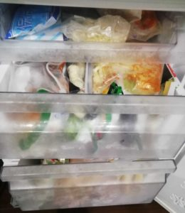 オイシックスが届いた後は冷凍庫がパンパン